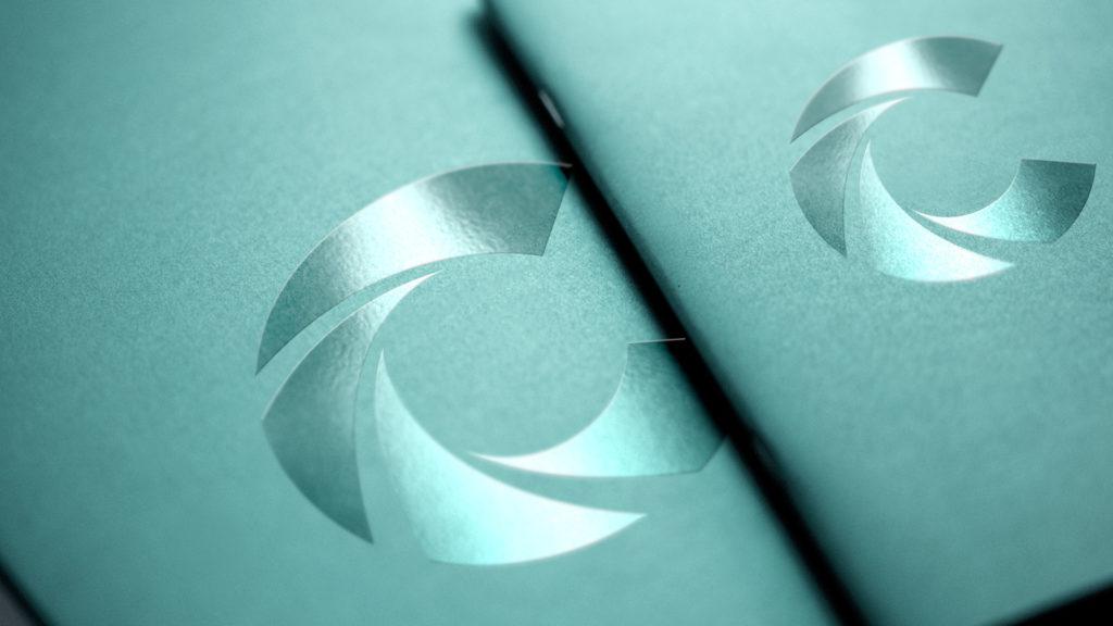 Vernis sélectif spot uv brillant gloss impression de document imprimerie Groupe Chicoine